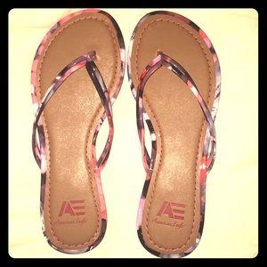 Women's flip-flops, size 7